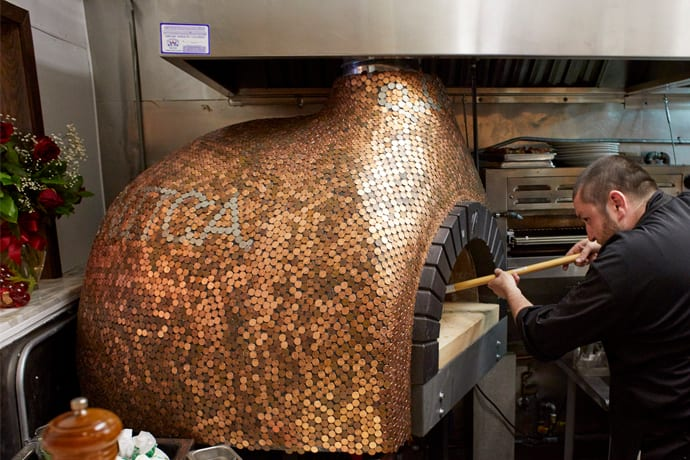 Ancient Roman Pizza Makes Its Debut in the Marina